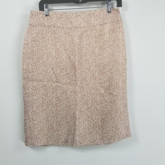 Banana Republic Dresses & Skirts - Banana republic pleated skirt size 6 geometric tan